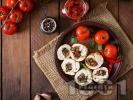Рецепта Пилешки рулца от филе пълнени с мариновани сушени домати и гъби печурки